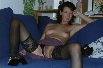 Curvy haired MILF's naked archive