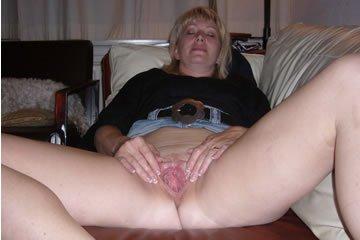 Biker MILF shows off her pussy